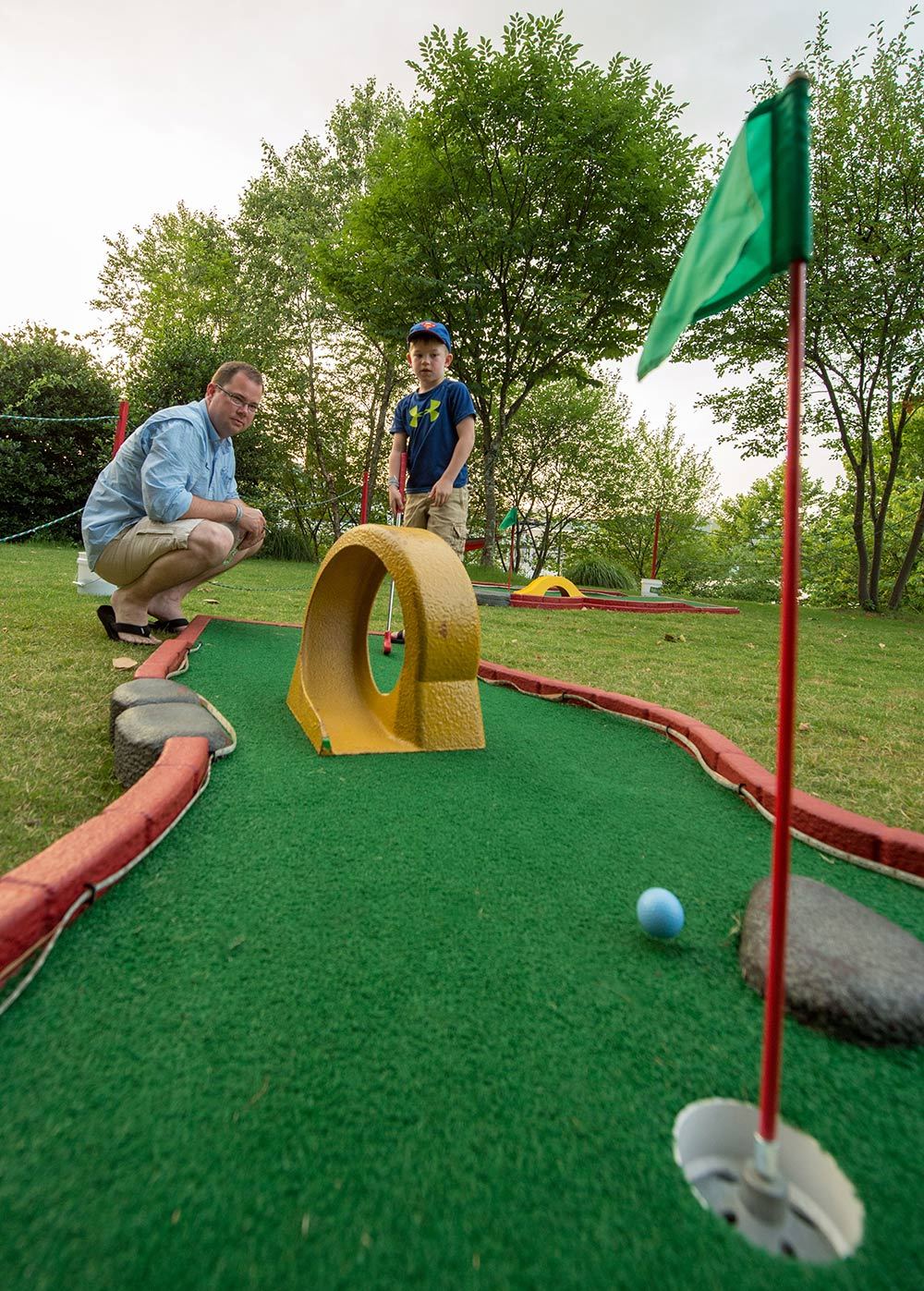 knoxville event rentals mini golf glow golf u0026 more holes to